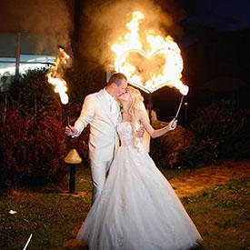 Свадебный финал с поцелуем и огненным сердцем